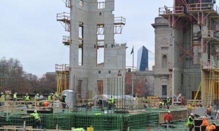 Trabajadores de construcción en el Templo Mormón de Filadelfia siguen reglas inusuales