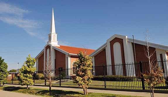 ¿Por qué todas las capillas mormonas lucen igual?