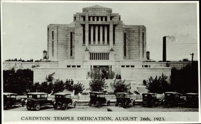 El primer Templo mormón extrajero fuera de los EE.UU. fue dedicado hace 91 años