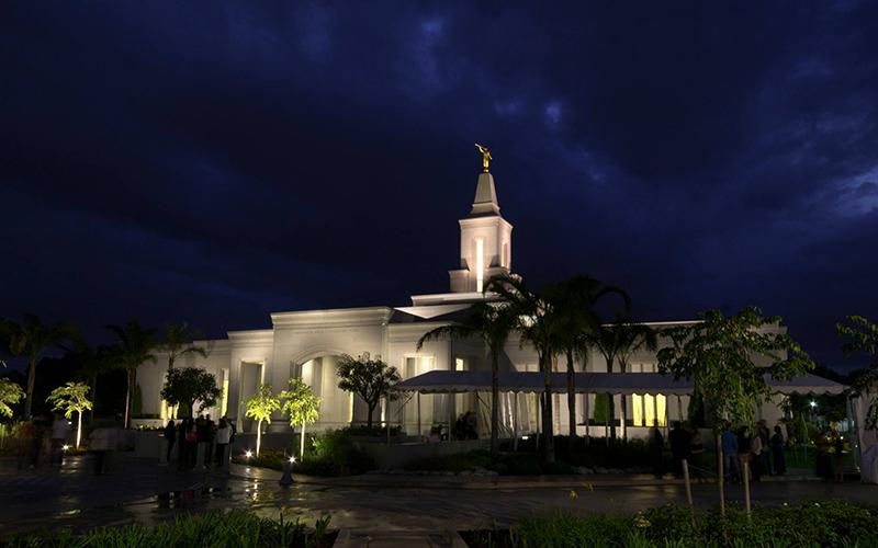 Pres. Uchtdorf dedica hoy el Templo de Córdoba, Argentina