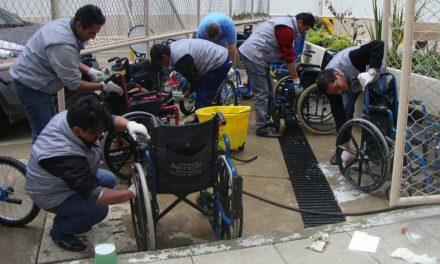 Mormones donan mil sillas de ruedas en Bolivia