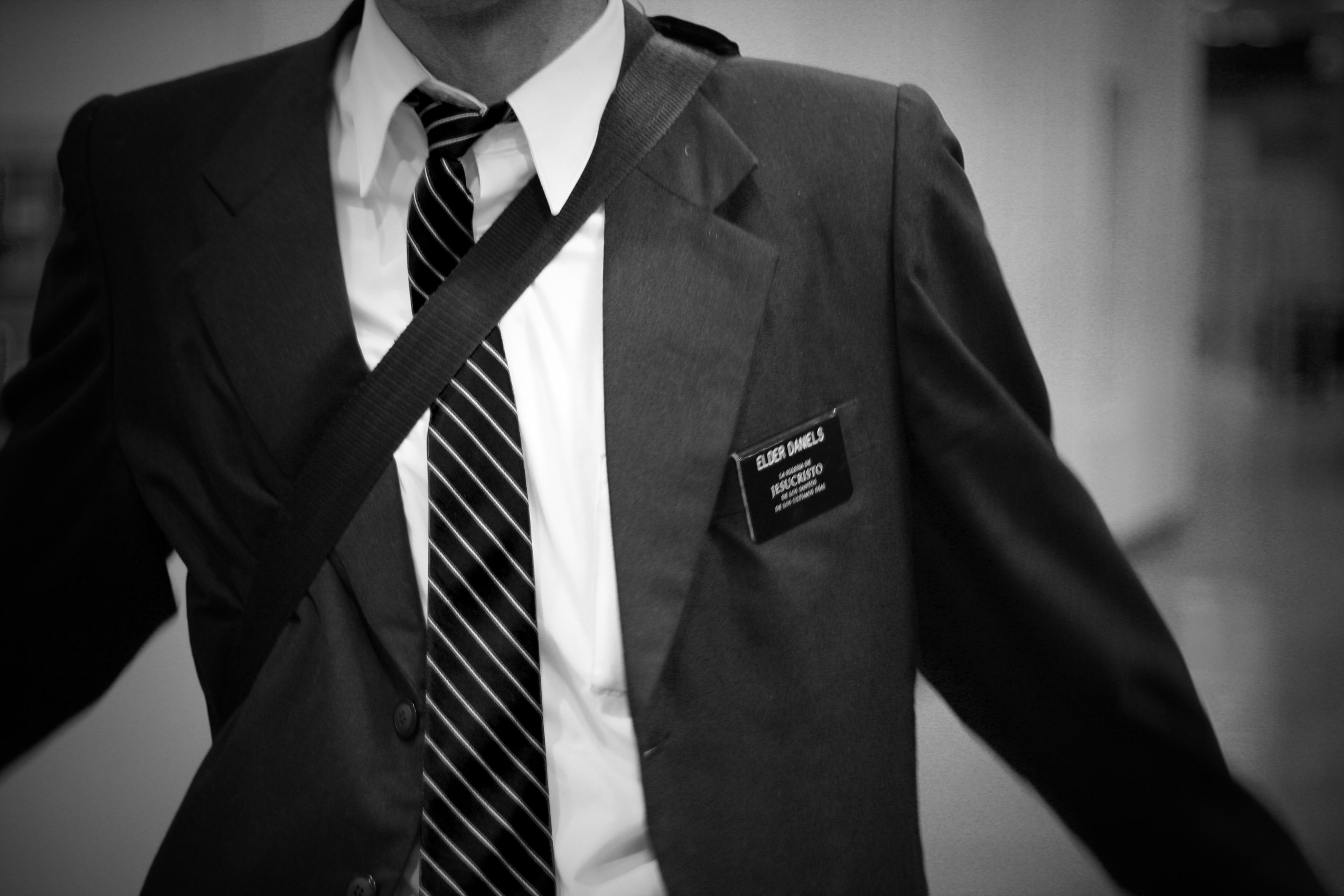 Nuevo código de vestimenta para misioneros