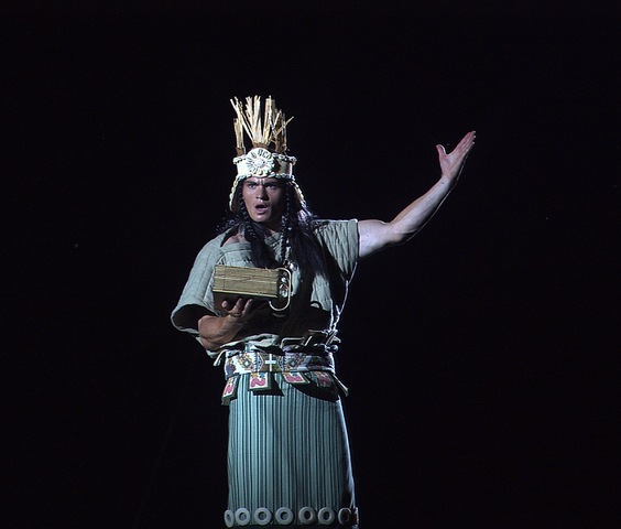 ¿Que tipo de ropa usaron Nefi, Alma, y Moroni?