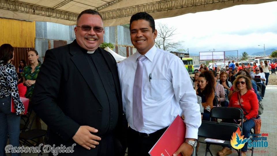 Sacerdote Católico agradece a mormones por ayuda en proyecto social en Costa Rica
