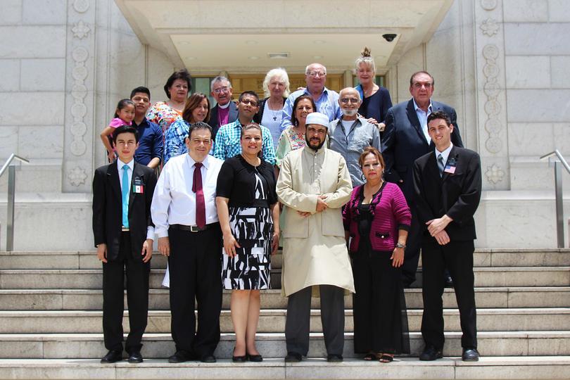Religiones reunidos por la paz  en iglesia mormona en El Salvador