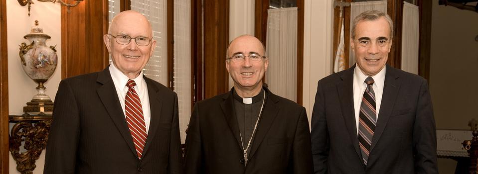 El Cardenal Sturla de Uruguay  recibe la visita de uno de los Doce Apóstoles de la Iglesia de Jesucristo