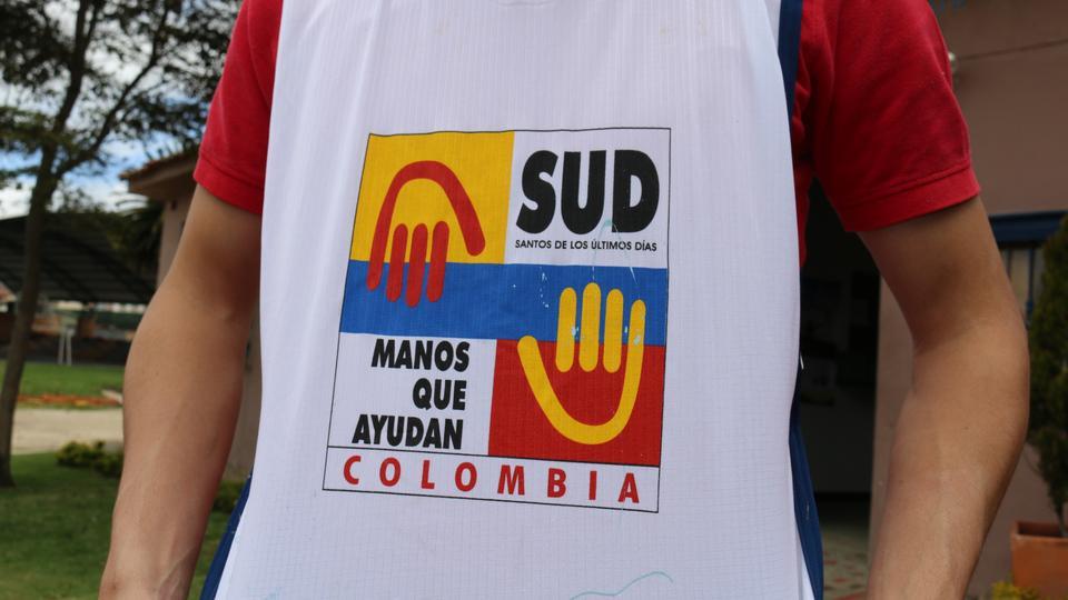 Mormones colombianos donan alimentos a fundación de niños