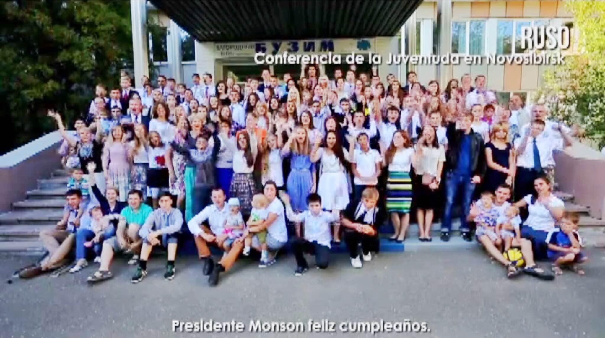 [VIDEO] miembros al rededor del mundo saludan al Presidente Monson por su cumpleaños N° 88