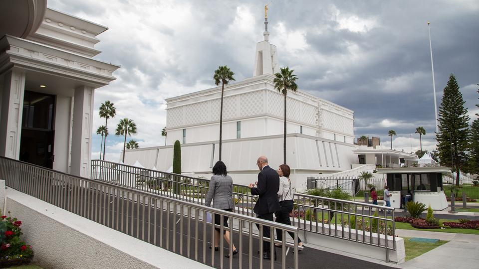 Puertas abiertas del Renovado Templo de la Ciudad de México