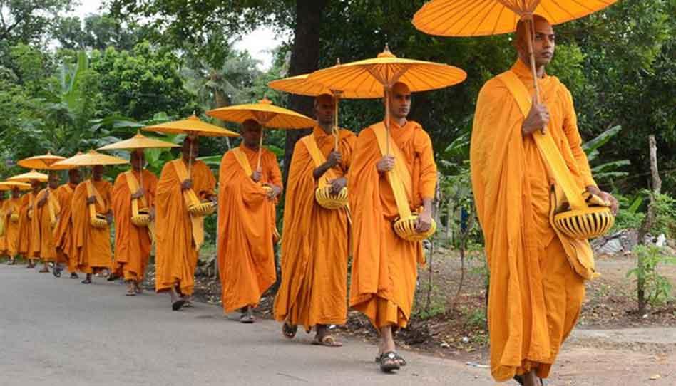 Porque estas 6 religiones visten lo que visten