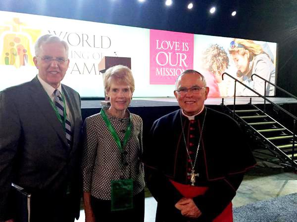 D. Todd Christofferson participa en multitudinario evento católico en Filadelfia