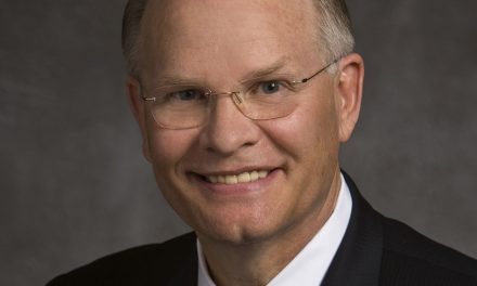 Elder Dale G. Renlund es llamado como nuevo apóstol