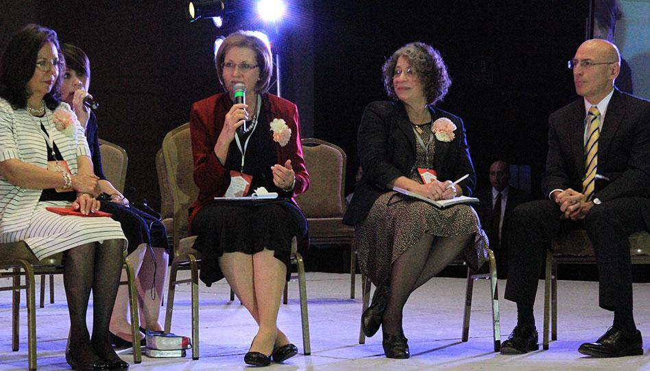 """Se lleva a cabo conferencia de Mujeres en Monterrey: """"Llenar Nuestros Hogares de Luz y Verdad"""""""