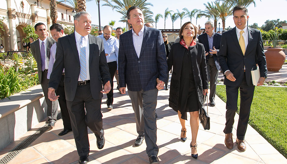 Presidente municipal elogia el nuevo templo mormón de Tijuana