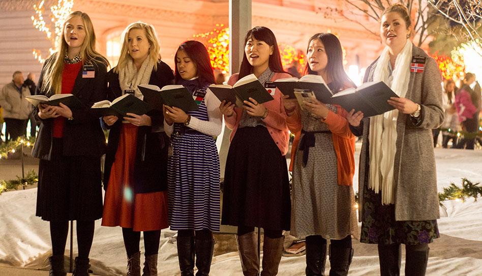 5 cosas que hacen los misioneros mormones en Navidad