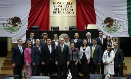 Apóstol mormón visita el Congreso de Durango, México
