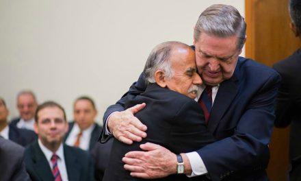Entérate de la promesa que élder Jeffrey R. Holland  hizo a los brasileros