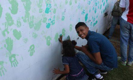 Jóvenes mormones prestan servicio para fundación colombiana
