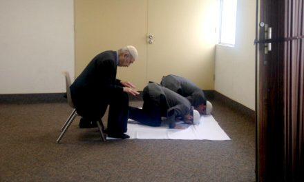 Musulmanes oran en capilla mormona de Chile