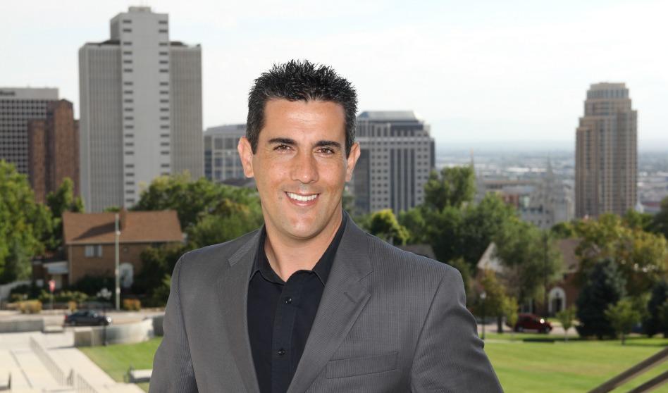 El periodista mormón que es líder de opinión en la comunidad latina en USA