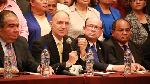 Líderes mormones en defensa del matrimonio entre hombre y una mujer en México