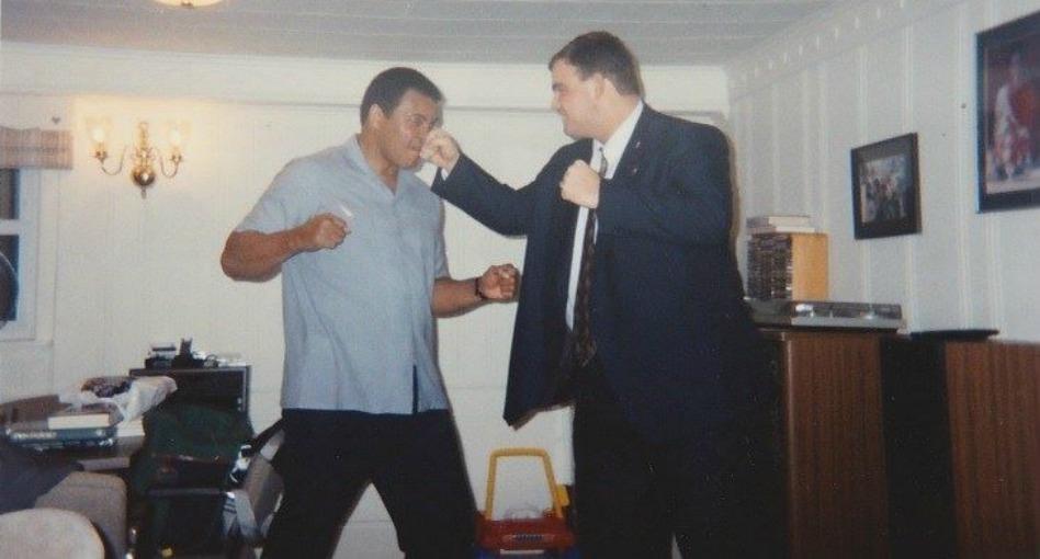 El misionero que visitó a Muhammad Ali y recibió luego una invitación de él