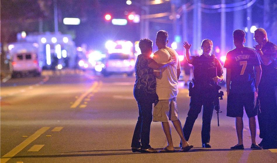 Mormones oran por las víctimas del sangriento tiroteo en Orlando