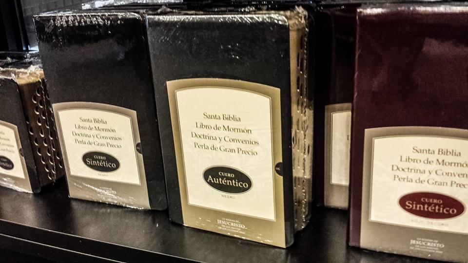 Biblioteca cuádruples en español escrituras