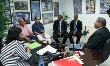 Líderes mormones se reúnen con directivos de importante empresa de comunicaciones en República Dominicana
