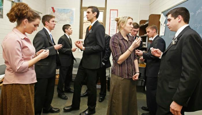 """Misioneros mormones en Rusia ahora son """"voluntarios"""""""