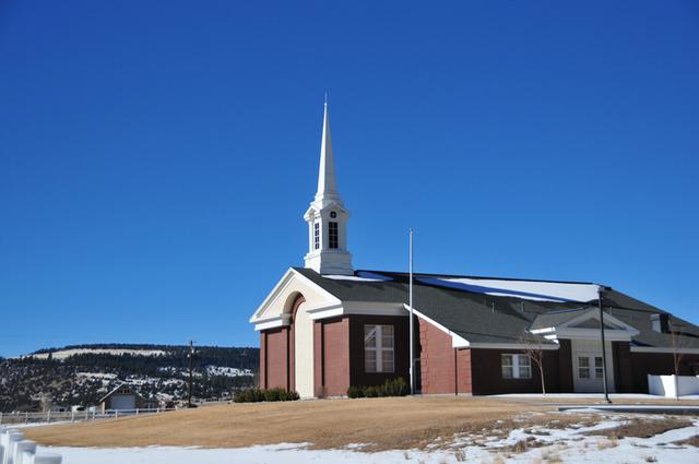 La congregación mormona que se reúne por teléfono en Alaska