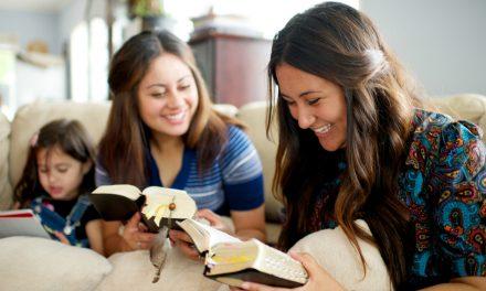 5 formas de hacer que el estudio familiar de las escrituras sea un hábito que todos disfruten