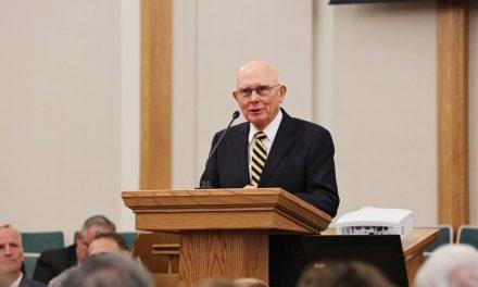 Élder Oaks: Participen en la defensa de la libertad religiosa