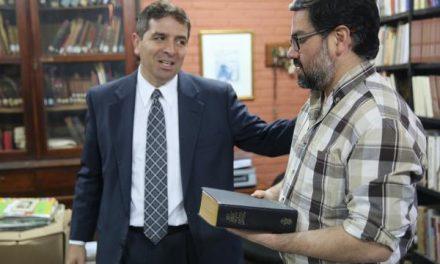 Escrituras mormonas en la Biblioteca Nacional de Paraguay