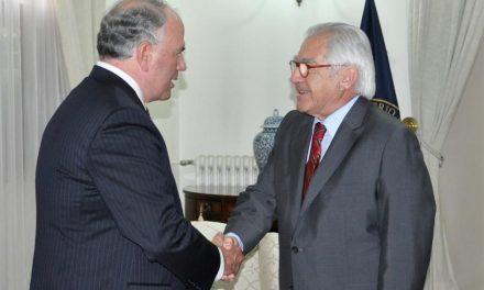 Élder Rasband se reúne con el Ministro del Interior de Chile