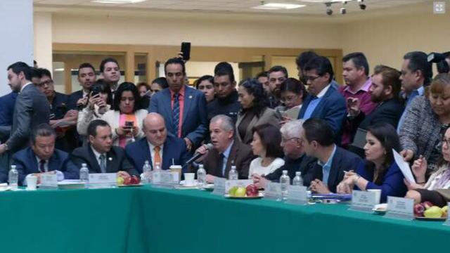 Congresitas mexicanos descartan inicitaiva de matrimonios del mismo sexo