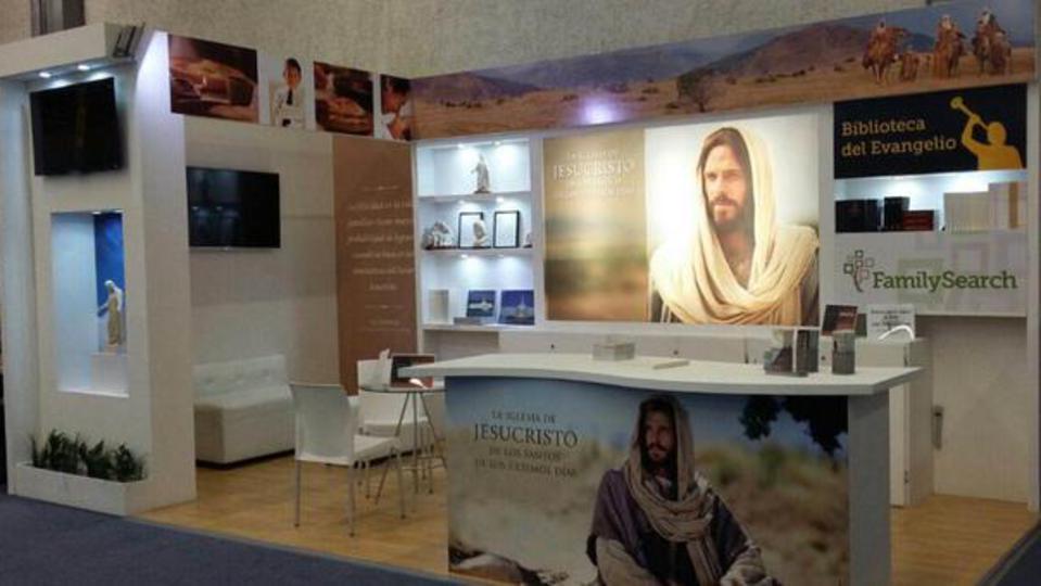 La Iglesia participó en la Feria Internacional del Libro de México