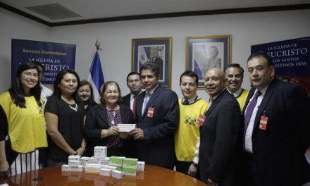 Mormones donan medicamentos a la Primera Dama de El Salvador