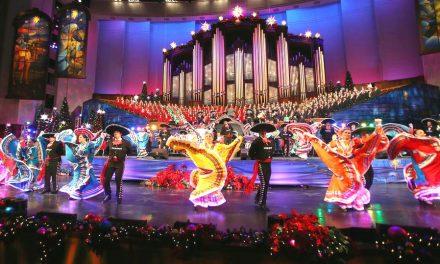 Celebración latina navideña en La Manzana del Templo de Salt Lake City