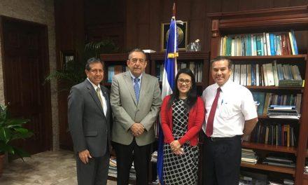 Mormones se reúnen con magistrado de la Corte Suprema de Justicia en El Salvador