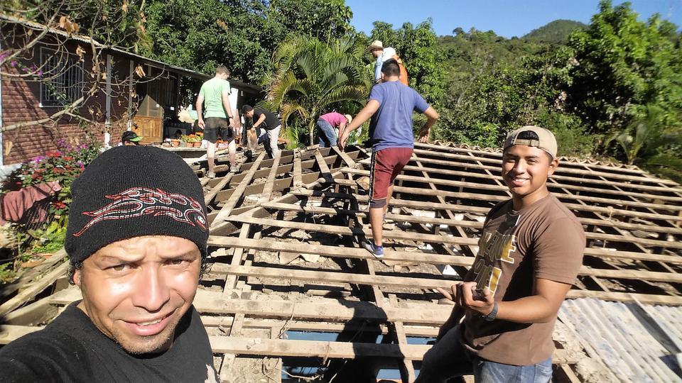 Mormones-ayudan-en- Honduras