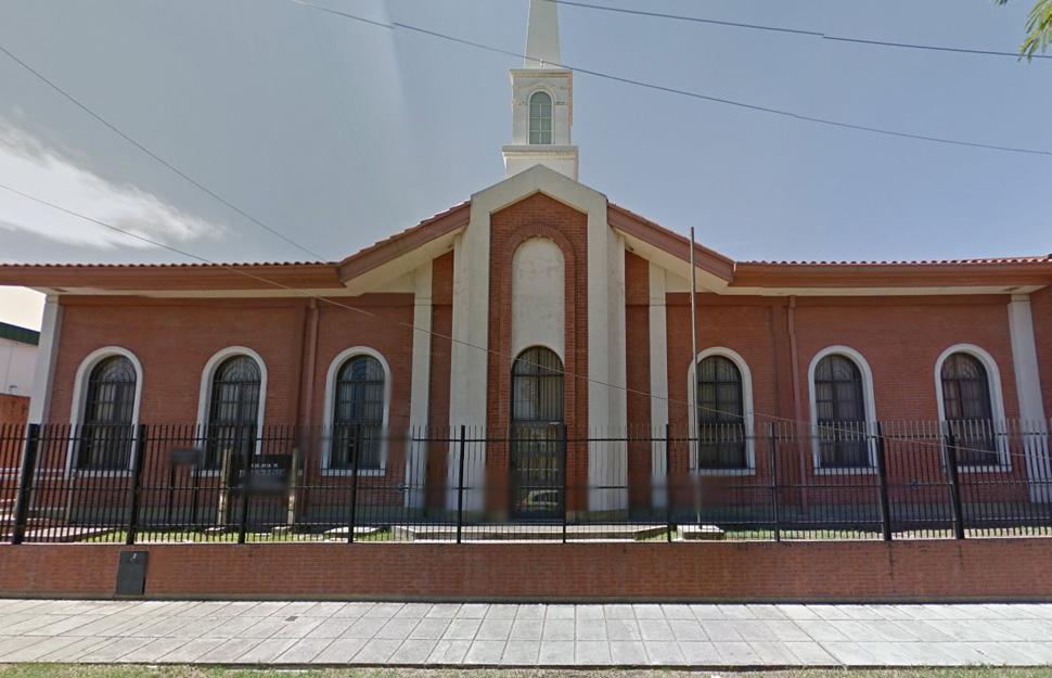 Asaltan a mano armada capilla mormona en plena reunion sacramental