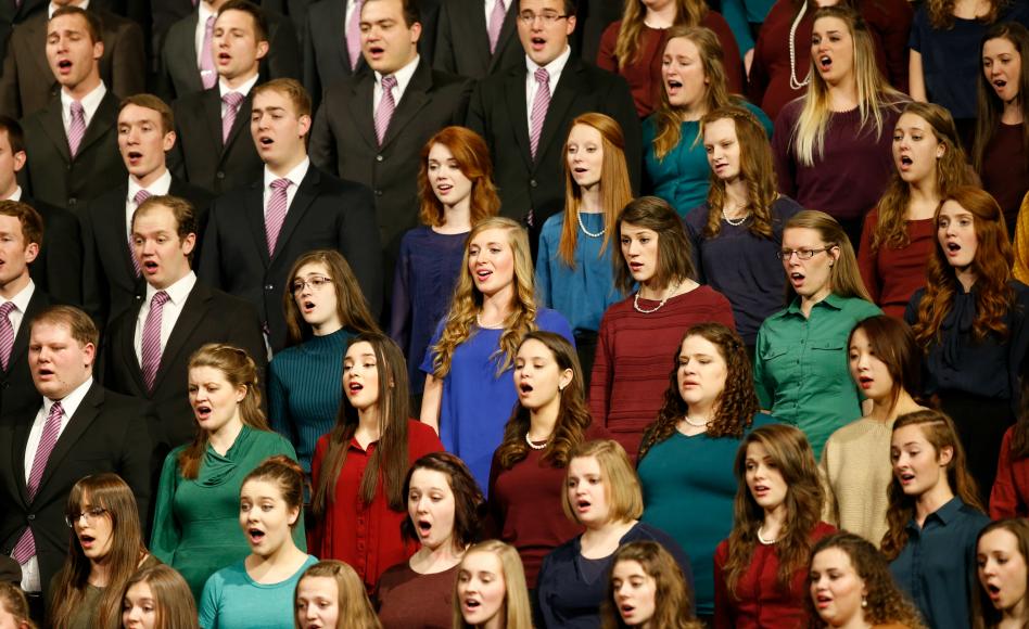 El coro durante el Devocional Mundial llevada a cabo desde la Universidad Brigham Young