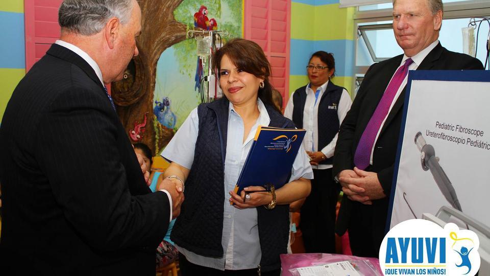 Mormones realizan importante donación a los niños con cáncer en Guatemala