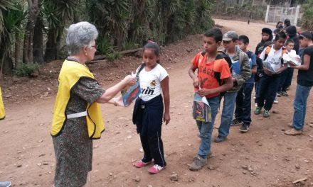 La sorprendente labor de una anciana mormona en Guatemala