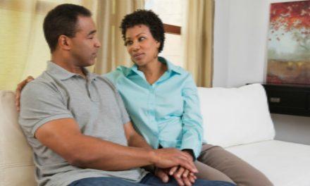 Esta conversación de 30 minutos por semana podría salvar tu matrimonio