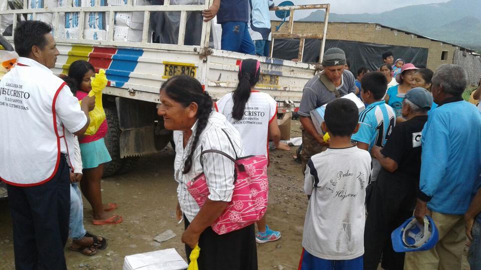 Manos Mormona que Ayudan en Perú