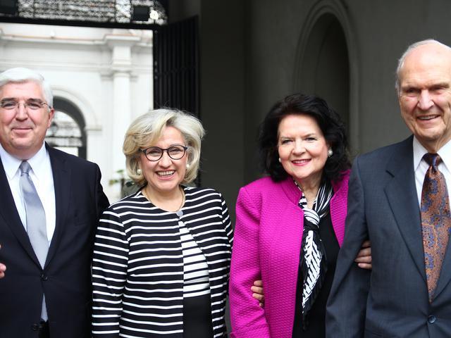 Presidente Russell M. Nelson sostuvo una grata reunión con la presidenta de Chile
