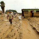 La Iglesia socorre a miles de peruanos