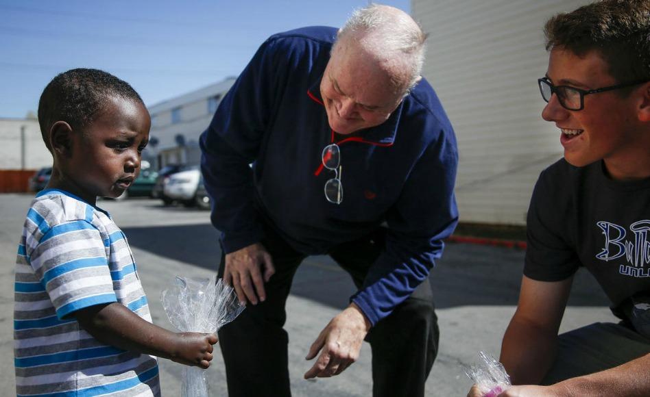 Cómo un hombre está combatiendo el cáncer al servir a los refugiados en Utah